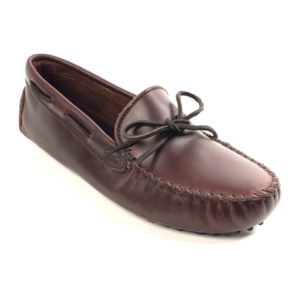 Minnetonka Moccasin | Classic Driver – Dark Brown (798)
